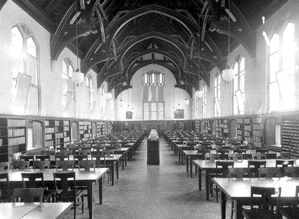 Picture of the Florida State College for Women library